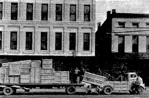 Fulton Ave, 109 N (1946)