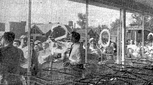 Browns Supermarket - grand opening (1946 Sep 19) 2