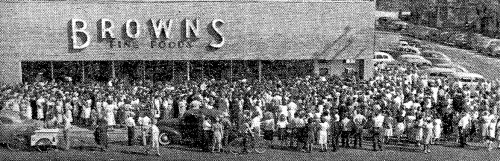Browns Supermarket - grand opening (1946 Sep 19)