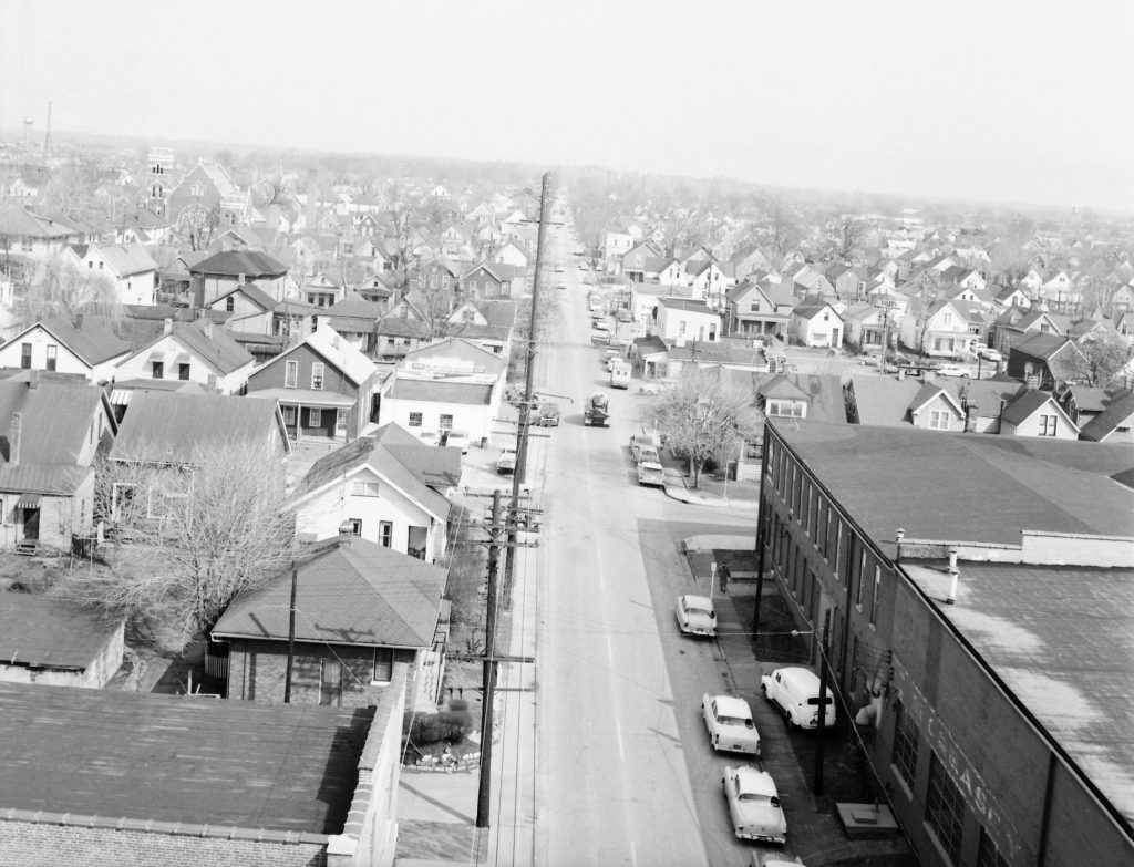 Heidelbach Ave c1950. At right is the Evansville Warehouse Co. St Paul Lutheran is in the distant left